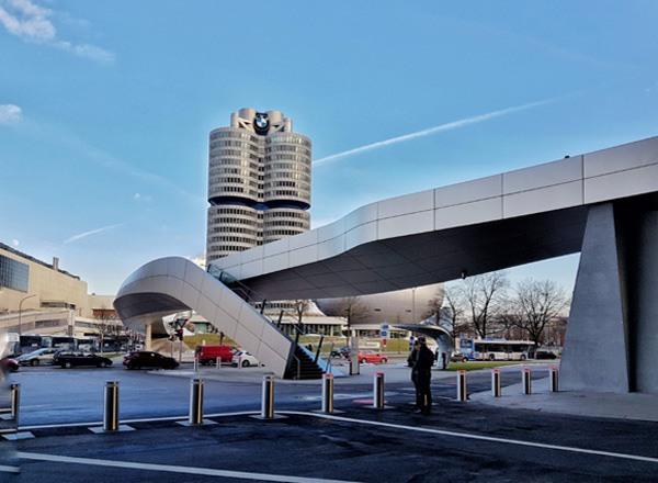 Мир и завод BMW